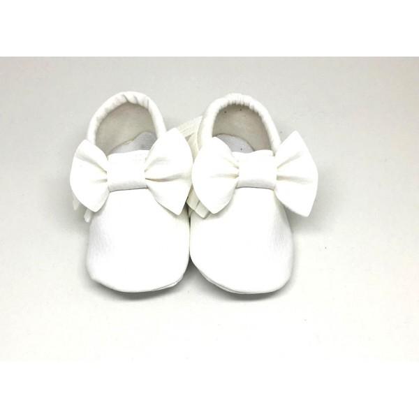 Beyaz Makosen ilk adım ayakkabısı